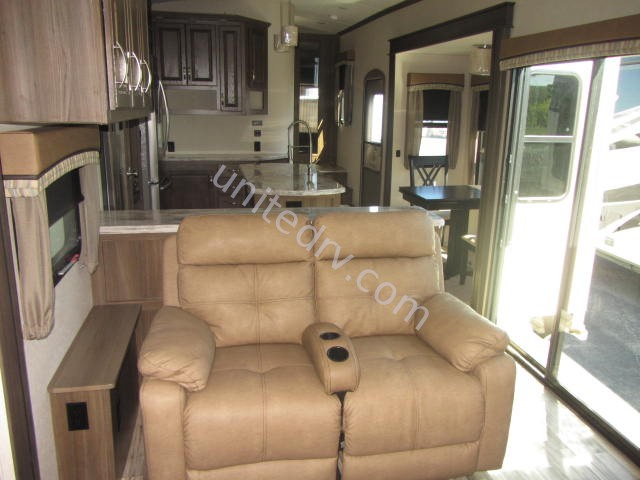 2016 EVERGREEN BAY HILL 375RE