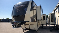 2019 FOREST RIVER SIERRA 38FKOK - 6 POINT AUTO LEVEL