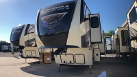 2019 FOREST RIVER SIERRA 387MKOK - 6 POINT AUTO LEVEL