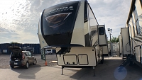 2019 FOREST RIVER SIERRA 378FB - 6 POINT AUTO LEVEL