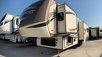 2019 FOREST RIVER WILDCAT 34WB