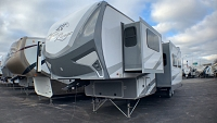 2018 HIGHLAND RIDGE OPEN RANGE ROAMER 376FBH