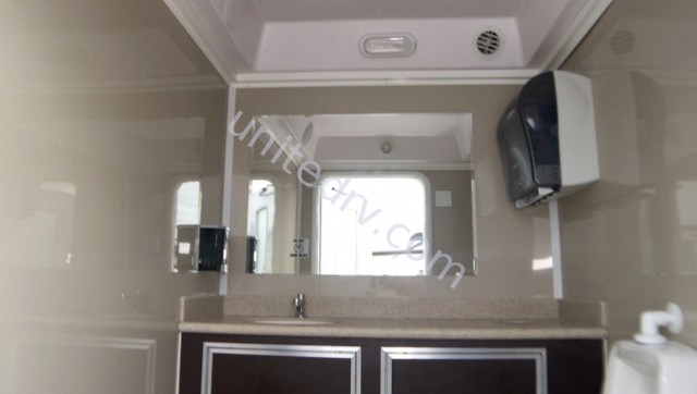 2018 FOREST RIVER CARGO MATE CENTURY III MOBILE RESTROOM