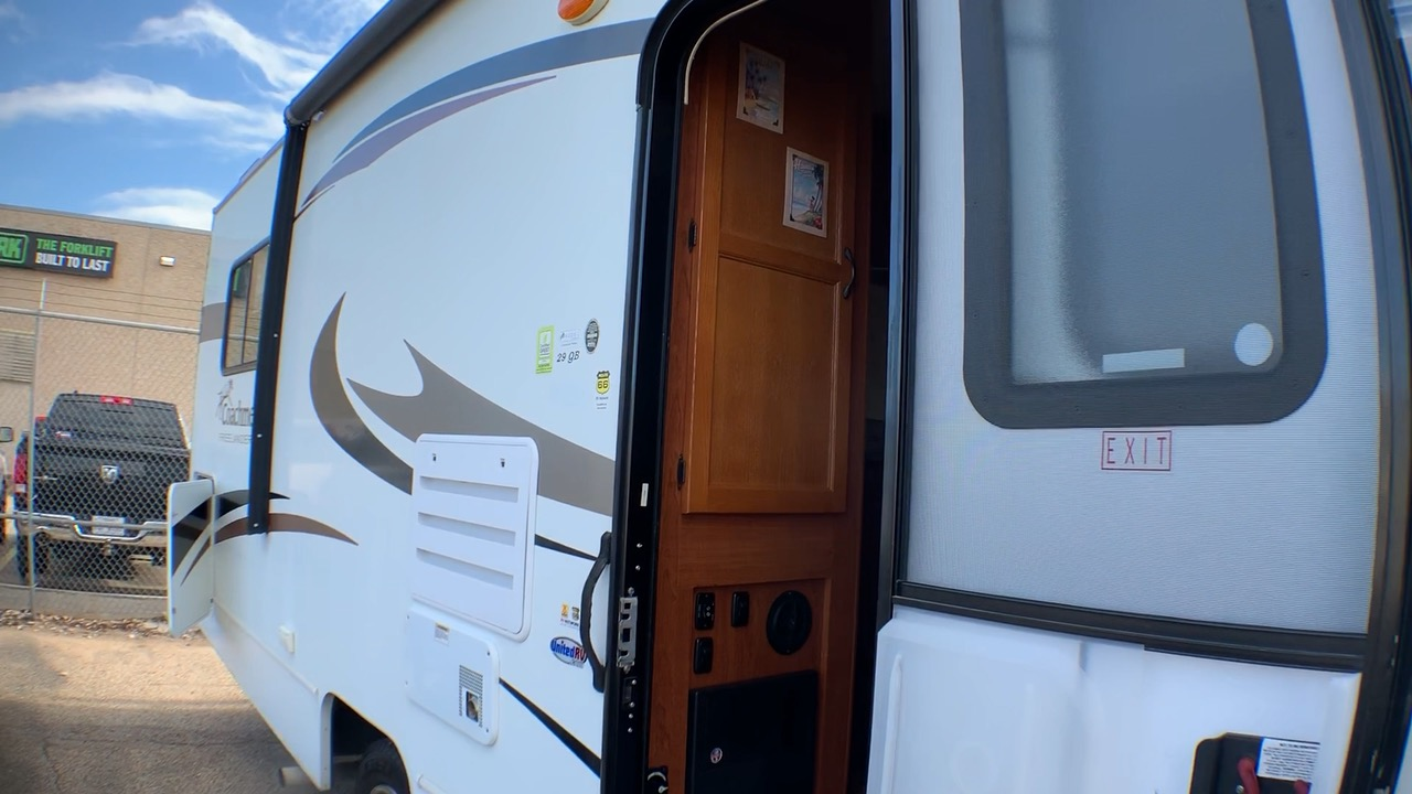 2013 COACHMEN FREELANDER 29QB