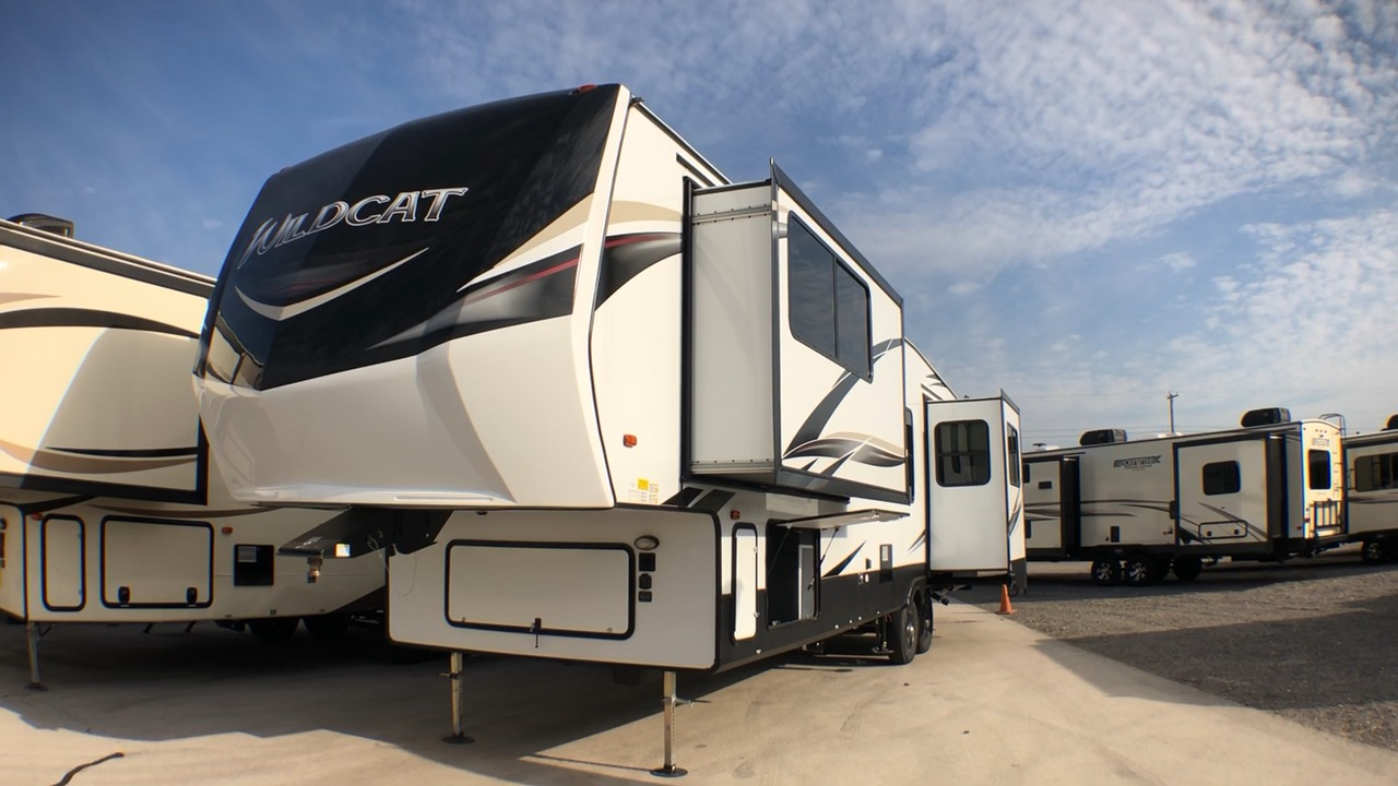 2019 FOREST RIVER WILDCAT 37WB