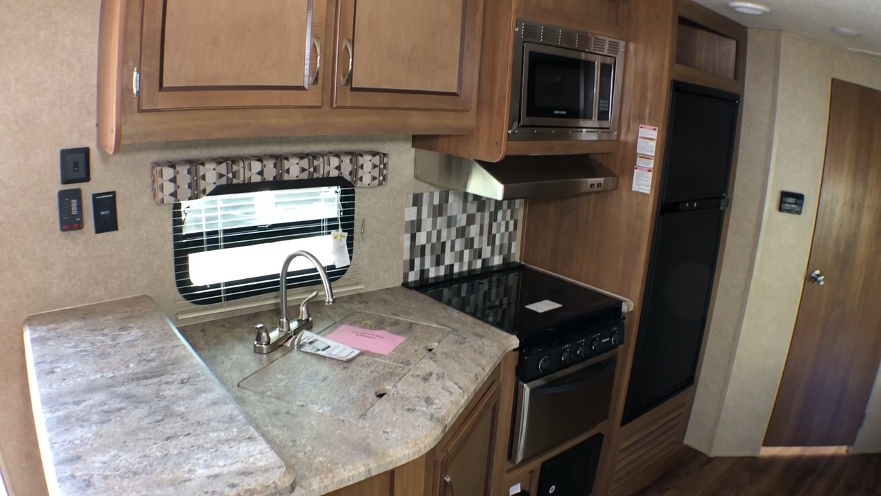 Sold 2019 Coachmen Catalina Legacy Edition 243rbs