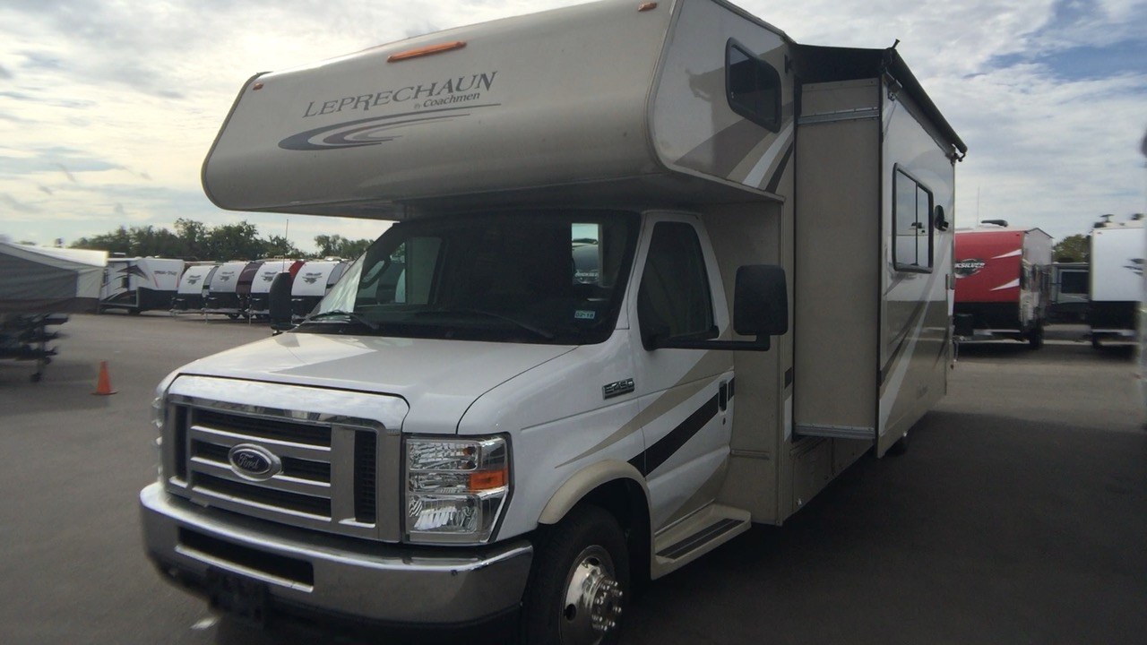 2017 COACHMEN LEPRECHAUN 310BHT