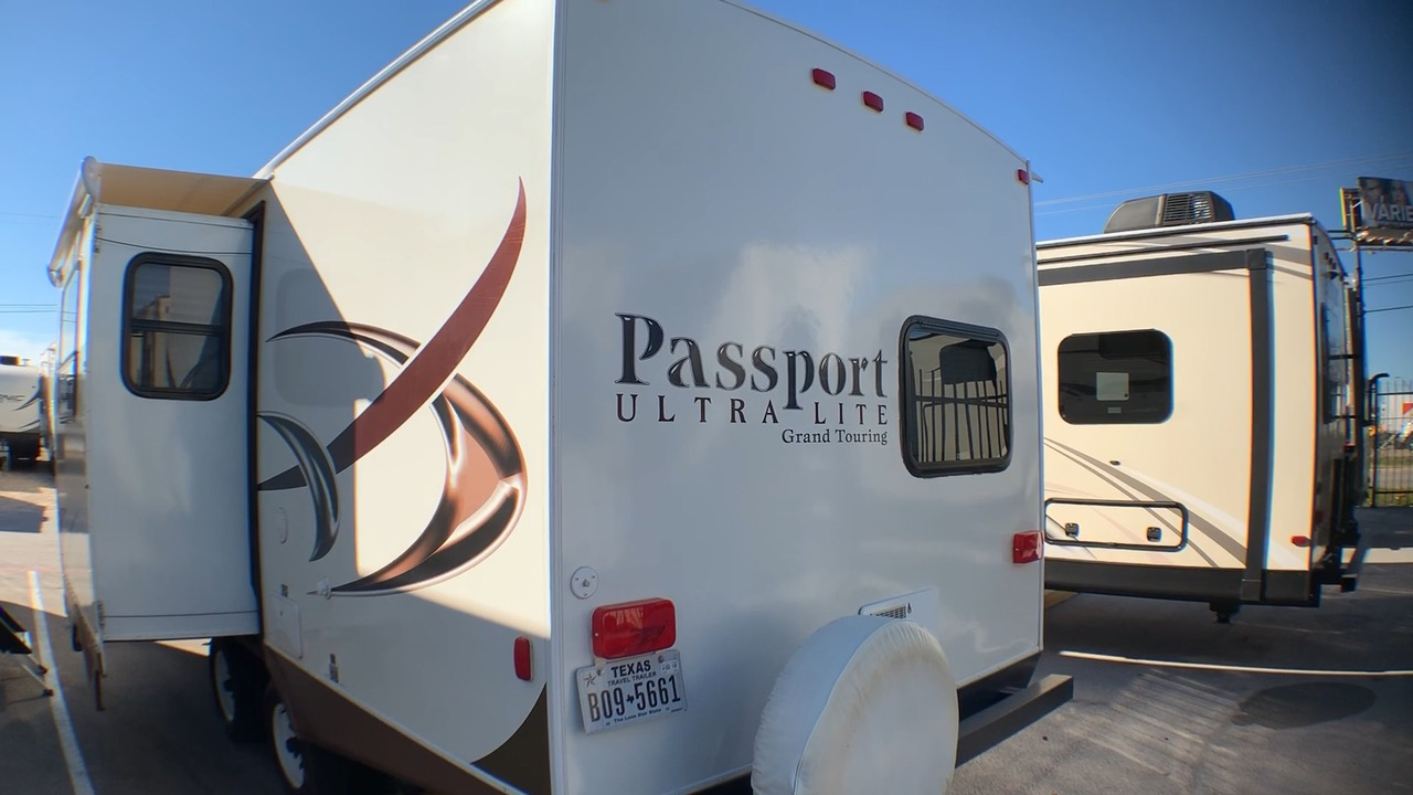 2014 KEYSTONE PASSPORT ULTRA LITE GRAND TOURING 2400BH